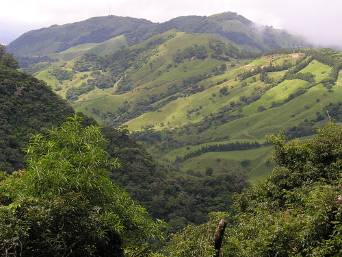 costa_rica_valley.jpg
